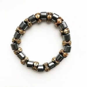 Monochrome & bronze magnetic stretch bead bracelet